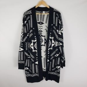 DIVIDED H&M Tribal B&W Pattern Open Cardigan